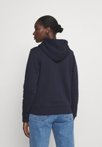 GANT - ARCHIVE SHIELD HOODIE - Jersey con capucha - evening blue - 2