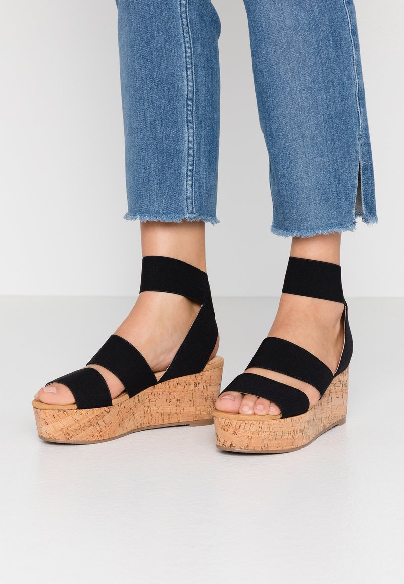 Steven New York - KEASHA - Sandály na platformě - black