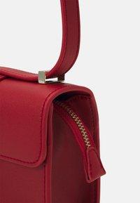 Valentino Bags - PENELOPE - Across body bag - rosso - 3