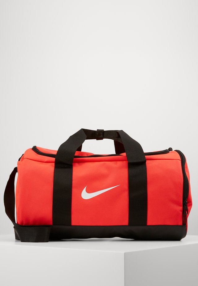 TEAM DUFFLE - Treningsbag - laser crimson/black/white