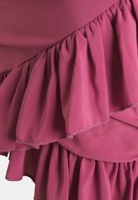 Missguided Petite - FRILL WRAP PLUNGE MINI DRESS - Vestido de tubo - plum - 2