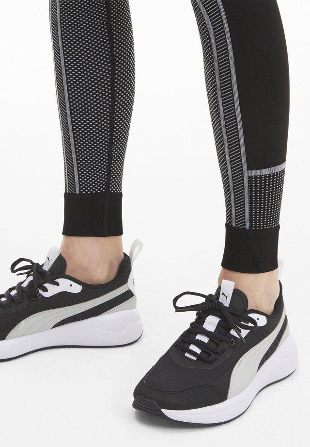 NUAGE - Sneaker low - black-gray violet