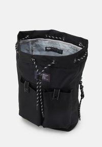 Levi's® - NAUTICAL BACKPACK UNISEX - Rucksack - regular black - 2