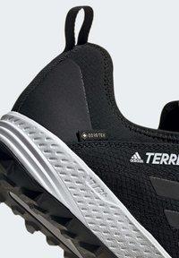 adidas Performance - TERREX SPEED GORE-TEX TRAIL RUNNING SHOE - Trail running shoes - black - 7