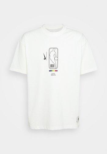 NBA MOVE TO TEE