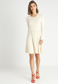 YAS - YASBECCO DRESS - Gebreide jurk - cloud dancer - 1