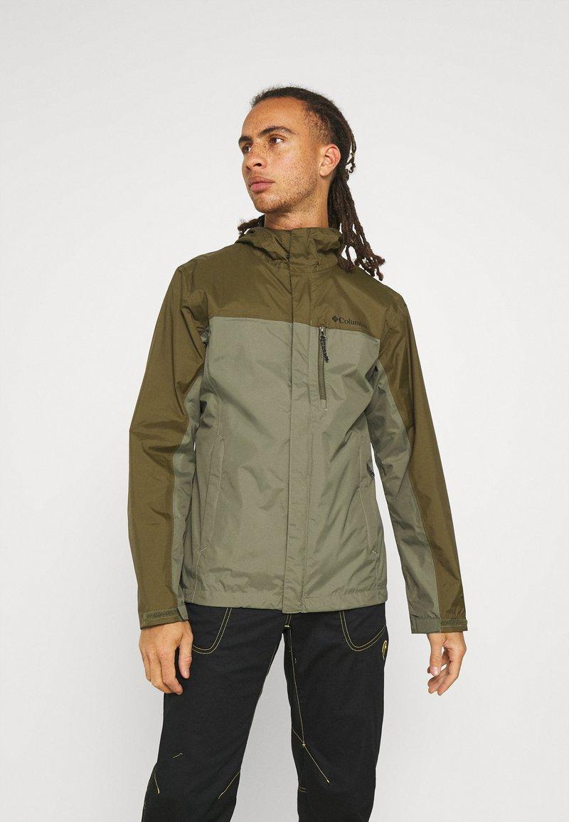Columbia - POURING ADVENTURE JACKET - Hardshell jacket - stone green/new olive
