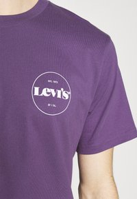 Levi's® - FIT TEE - T-shirt con stampa - lilac - 4