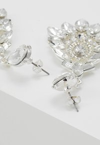 Pieces - Ohrringe - silver-coloured - 2