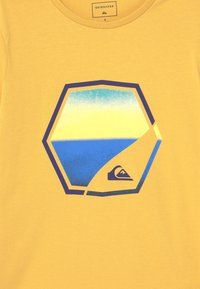 Quiksilver - FADING OUT - Print T-shirt - rattan - 2