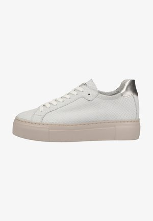 Trainers - white snake