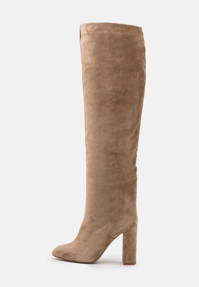 High heeled boots - montone