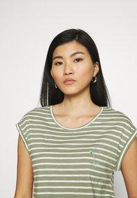 Esprit - TEE - Print T-shirt - light khaki - 3