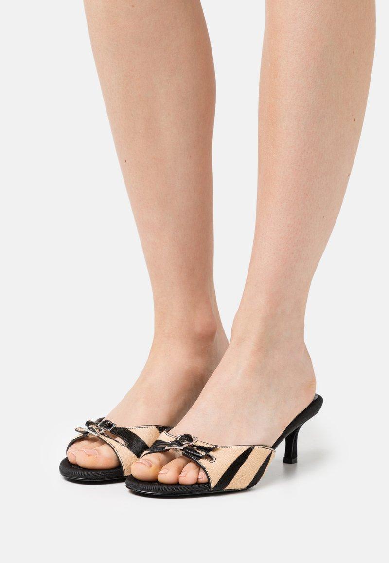 Who What Wear - RACHEL - Heeled mules - black