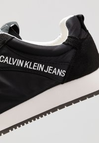 Calvin Klein Jeans - JERROLD - Sneakers laag - black - 5