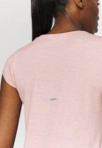 ASICS - RACE SEAMLESS - Camiseta básica - ginger peach - 4