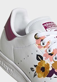 adidas Originals - STAN SMITH SPORTS INSPIRED SHOES - Trainers - ftwr white/power berry/pink tint - 6