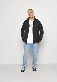 Nike Sportswear - COURT TEE - Triko spotiskem - white - 1