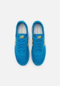 New Balance - UL720 - Sneakers - yellow/blue - 3