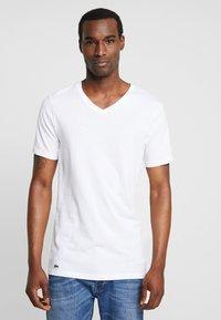 Lacoste - 3 PACK SLIM FIT TEE  - Undershirt - black/mottled grey/white - 1