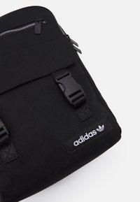 adidas Originals - SPORT PACK UNISEX - Rucksack - black/white - 3