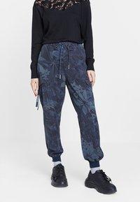 Desigual - MALALA - Pantalon de survêtement - blue - 0