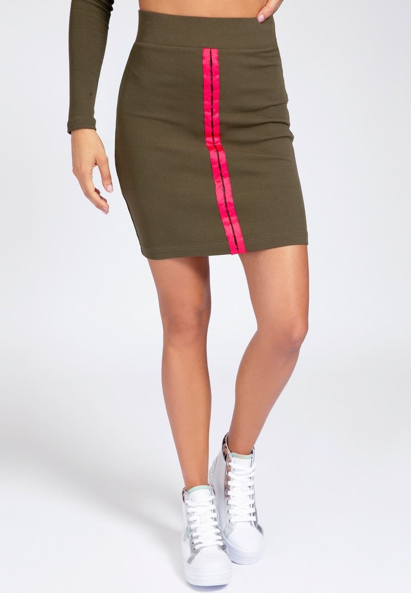 Guess - TULAY SKIRT - Pencil skirt - grün