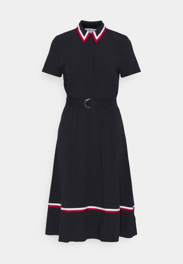 HEAVY  KNEE DRESS - Košilové šaty - desert sky