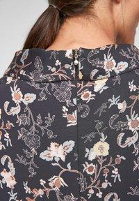 s.Oliver BLACK LABEL - Day dress - black floral aop - 4