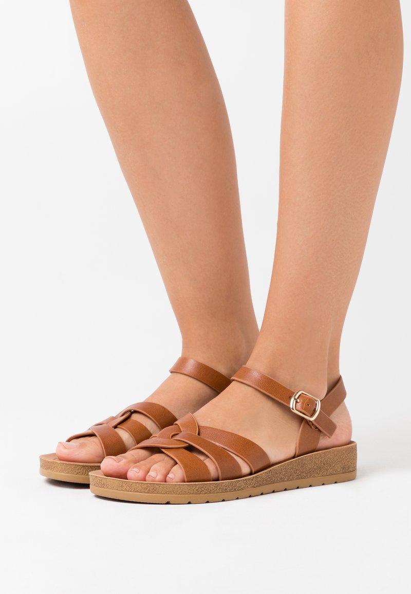 New Look Wide Fit - HELGA - Sandaler m/ kilehæl - tan