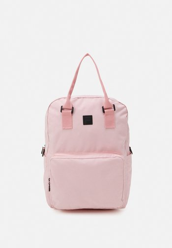 COATED CONVERTIBLE MID BACKPACK UNISEX