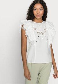 VILA PETITE - VICASANDRA - Print T-shirt - snow white - 3