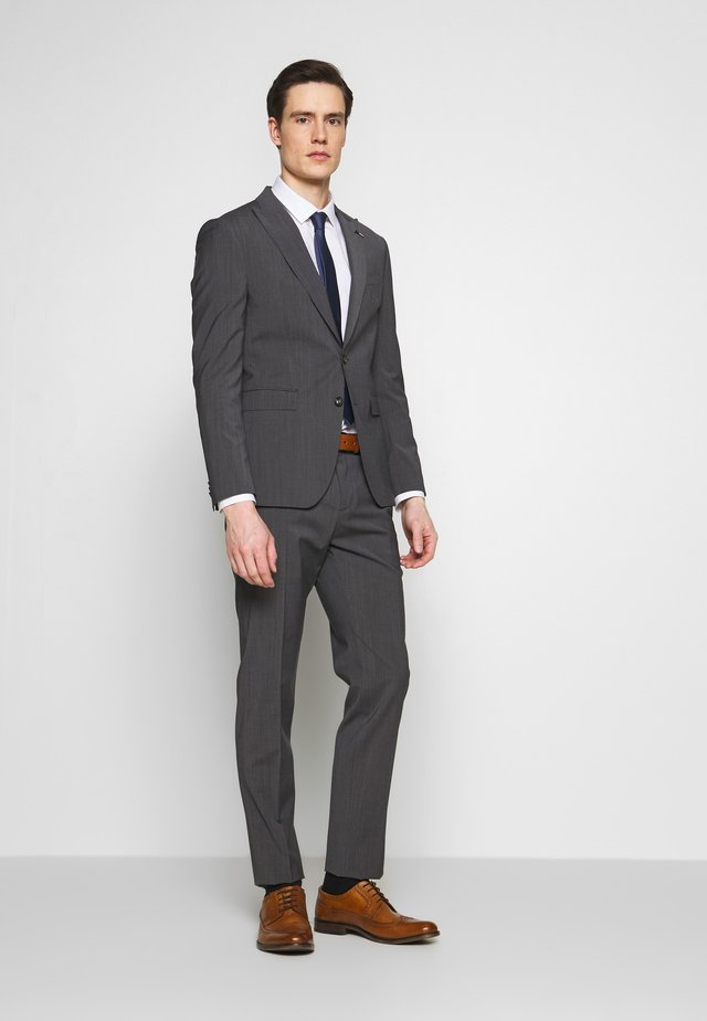 SLIM FIT PEAK LAPEL SUIT - Kostuum - grey