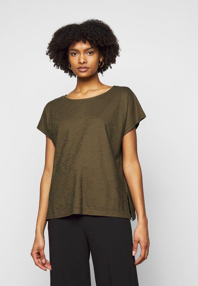 KIMANA - Jednoduché triko - khaki