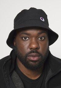 Champion Reverse Weave - BUCKET CAP - Hatt - black - 1