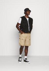 G-Star - JUNGLE CARGO - Shorts - vintage ripstop - sahara - 1