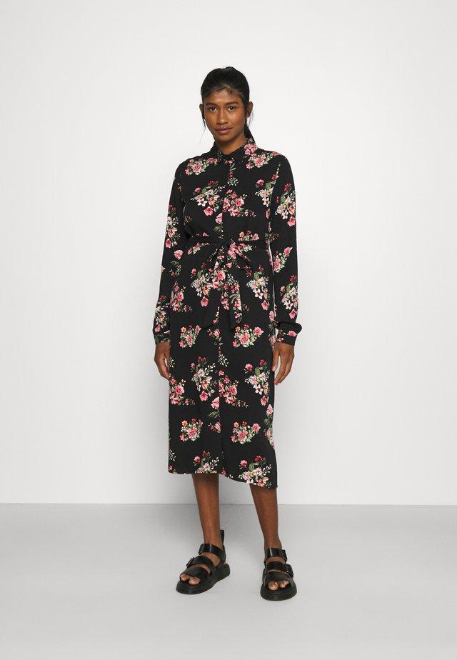 VIDANIA BELT SHIRT DRESS - Shirt dress - black/rose