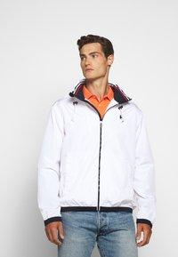 Polo Ralph Lauren - AMHERST FULL ZIP JACKET - Tunn jacka - pure white - 0