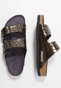 Birkenstock - ARIZONA - Slippers - gator gleam black