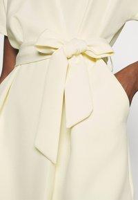 Closet - CLOSET KIMONO DRESS - Kjole - lemon - 4