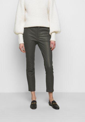 LEYA - Kožené kalhoty - understated black
