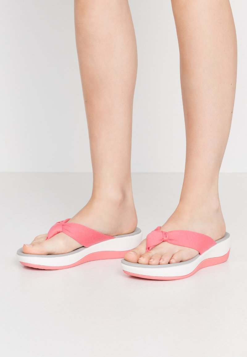 Cloudsteppers by Clarks - ARLA GLISON - T-bar sandals - raspberry
