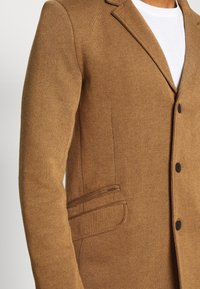 Only & Sons - ONSJULIAN KING COAT - Cappotto classico - camel/melange - 5