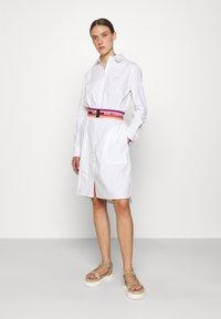 KARL LAGERFELD - STRIPE SHIRT DRESS - Shirt dress - white - 1