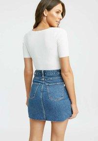 Kookai - LOLA - Basic T-shirt - ba off white - 1