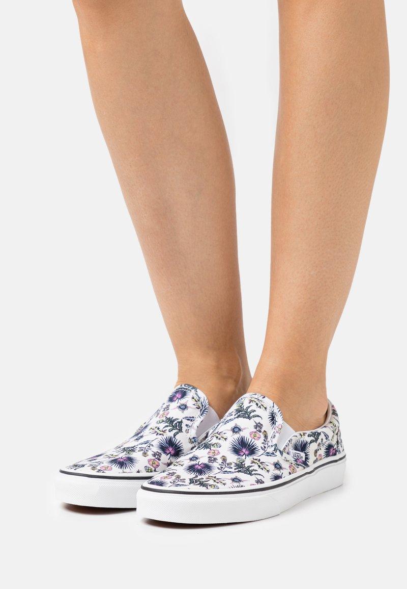 Vans - CLASSIC  - Slip-ons - true white