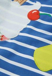 Boden - MIT APPLIKATION - Swimsuit - elisabethanisches blau, eiscreme - 2