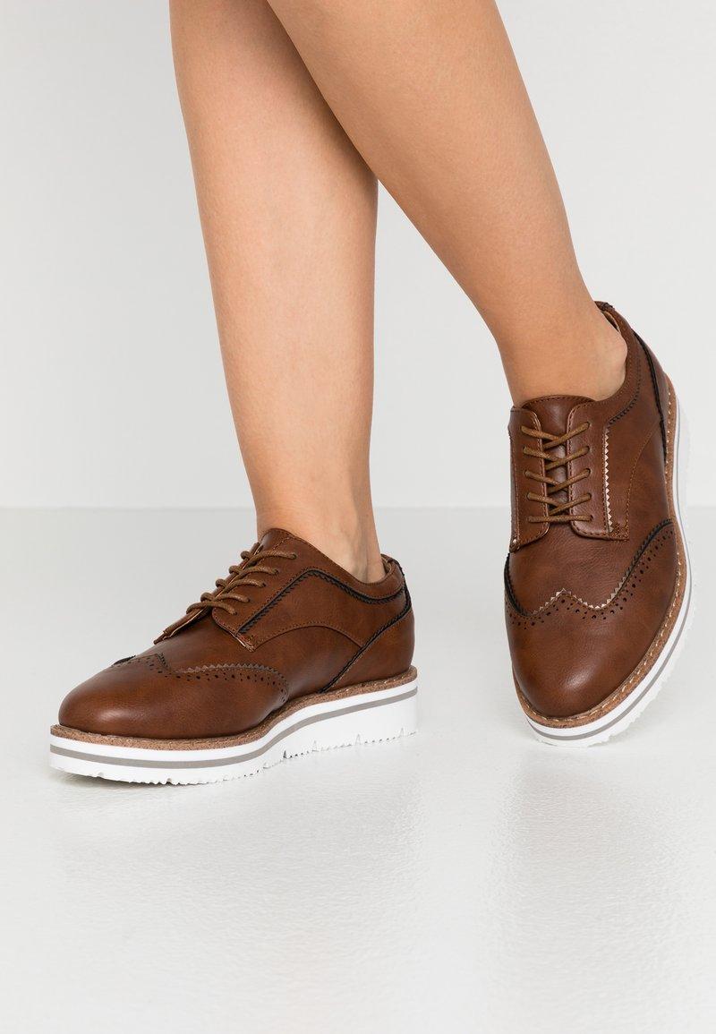 Anna Field Wide Fit - Zapatos de vestir - cognac