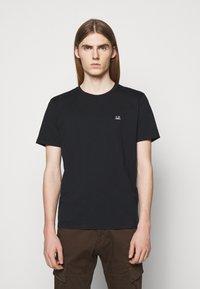 C.P. Company - SHORT SLEEVE - Basic T-shirt - black - 0