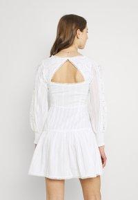 Lace & Beads - ELIZA DRESS - Košilové šaty - white - 2